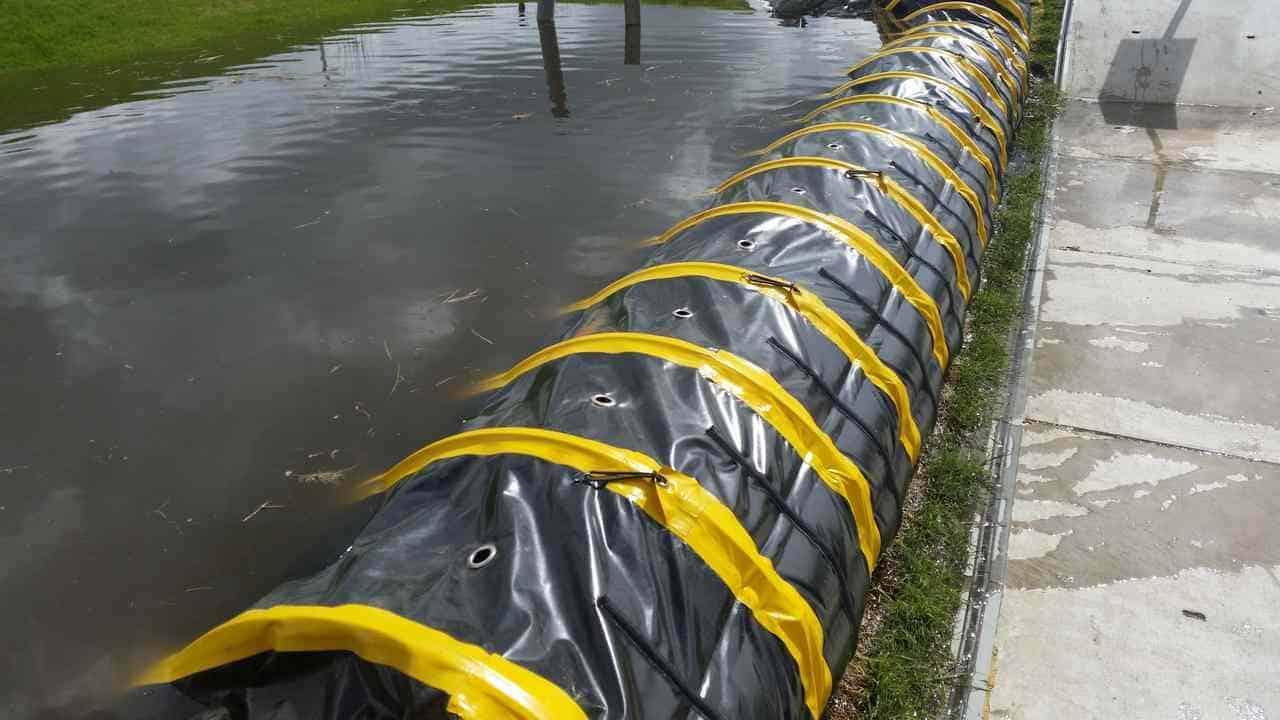die Überschwemmungen ein temporäres Wasser zu stoppen